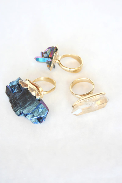 Crystal_rings_rock_brass